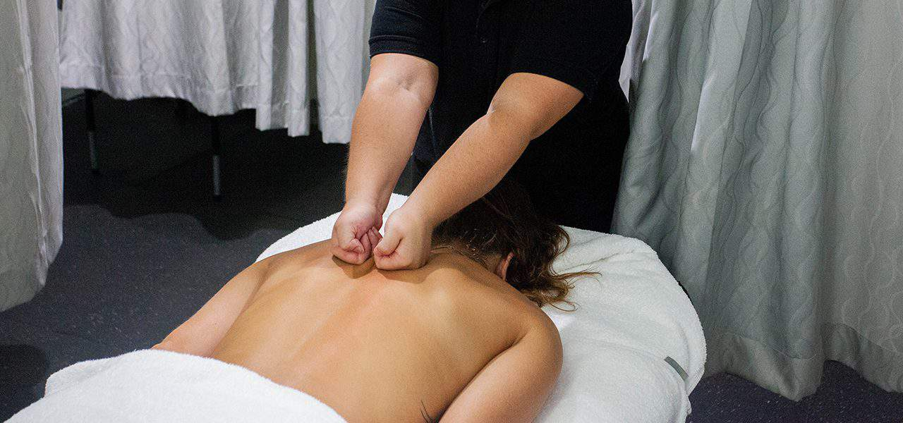 q academy gold coast massage session